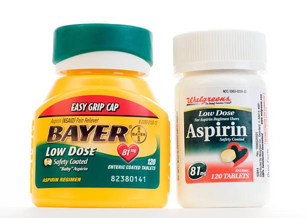 торговое название и непатентованное низкой дозы аспирина - доза стоковые фото и изображения