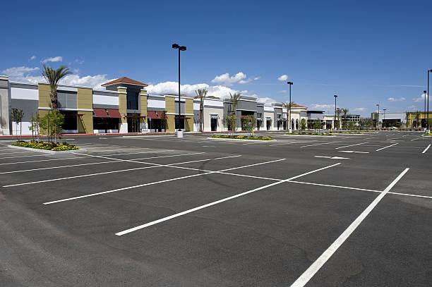Neue Strip-Mall – Foto