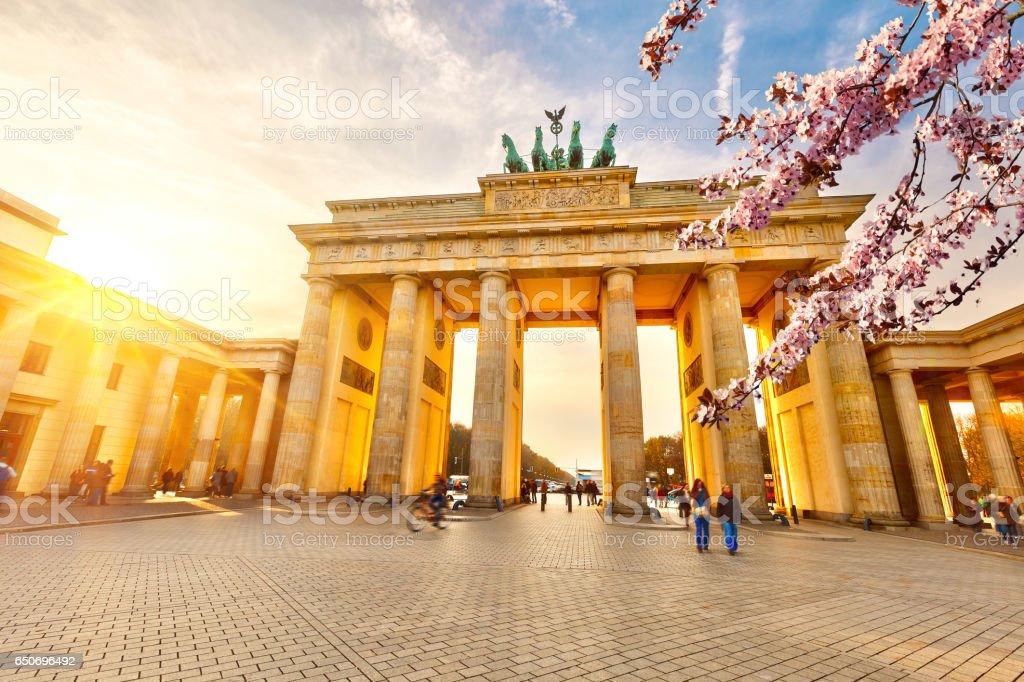 Brandenburg gate at spring – Foto
