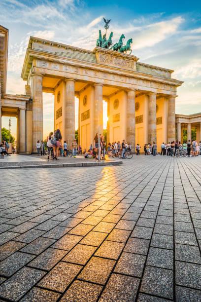 Brandenburger Tor bei Sonnenuntergang, Berlin, Deutschland – Foto