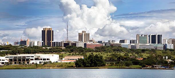 Brasília Panorama do horizonte em um dia ensolarado, Brasil - foto de acervo