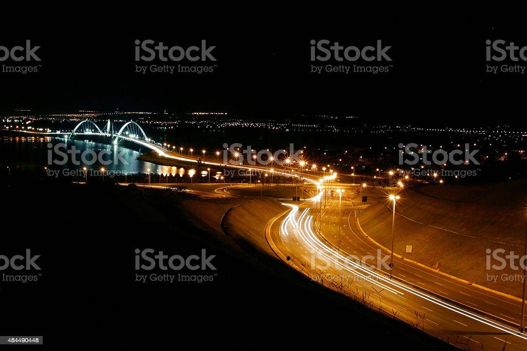 Brasília's JK ponte à noite, Brasil foto royalty-free