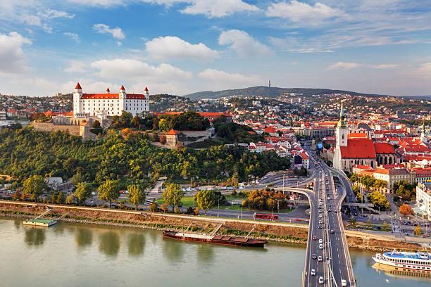 bratislava-공중 뷰 - 슬로바키아 뉴스 사진 이미지
