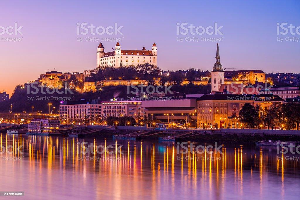 Bratislava bei Nacht – Foto