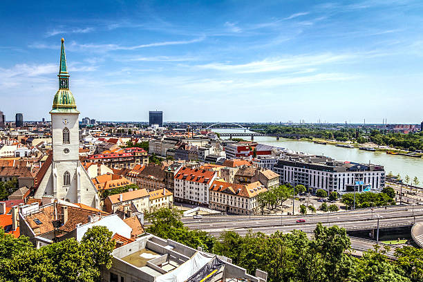 bratislava 스카이라인 - 슬로바키아 뉴스 사진 이미지