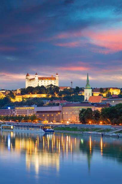 bratislava, slowakei. - bratislava hotel stock-fotos und bilder
