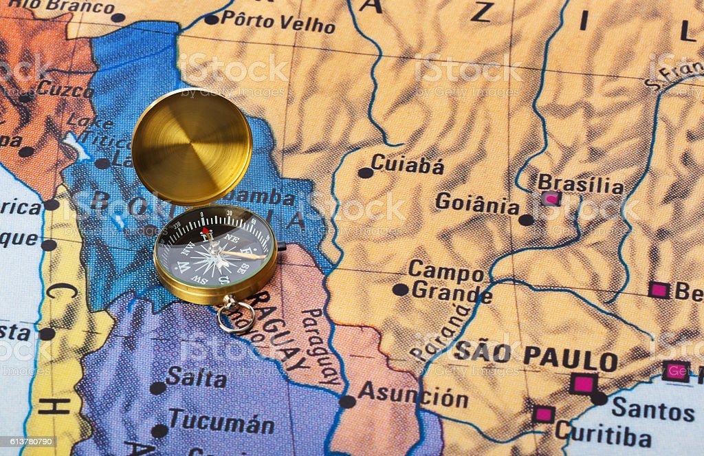 Brasil mapa e uma bússola - foto de acervo