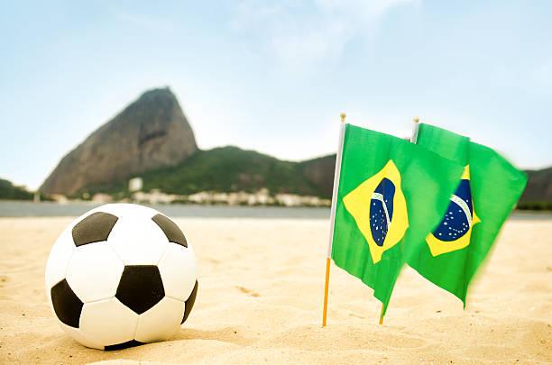 copa do mundo brasil 2014 - futebol de areia - fotografias e filmes do acervo