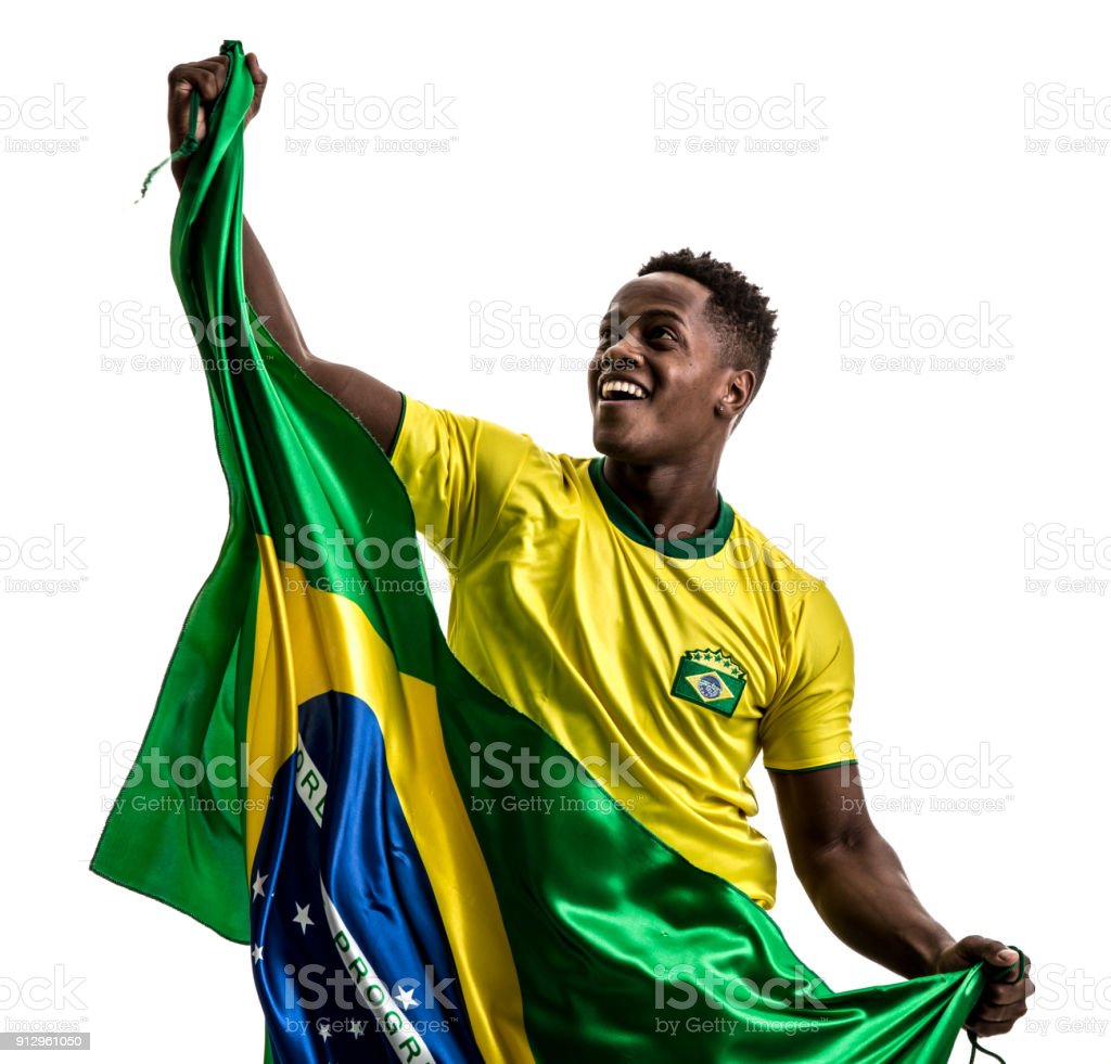 Atleta masculino afro brasileira / ventilador comemorando em fundo branco - foto de acervo