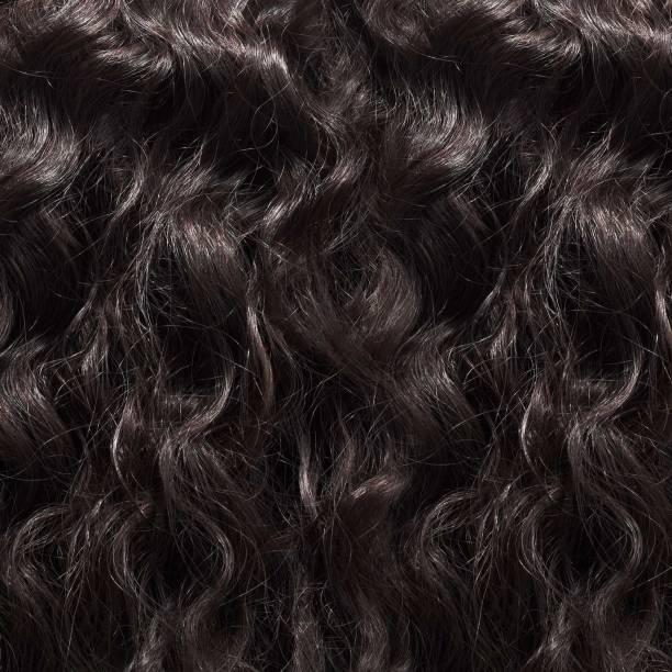 brazilian curly weave hair texture - capelli ricci foto e immagini stock