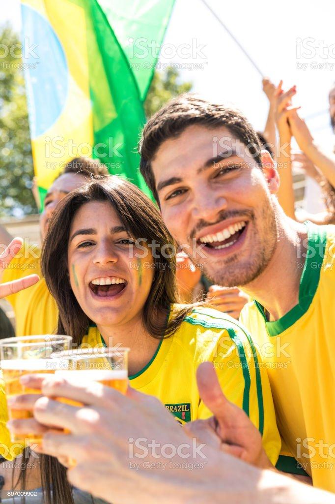 Fãs brasileiros no estádio para apoiar a sua equipa - foto de acervo