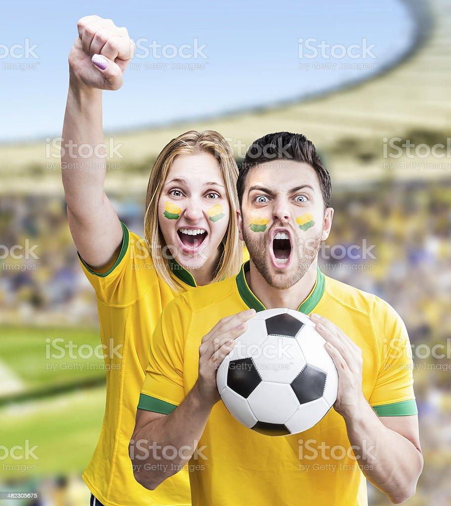 Supporters brésiliens célèbre sur le stade - Photo