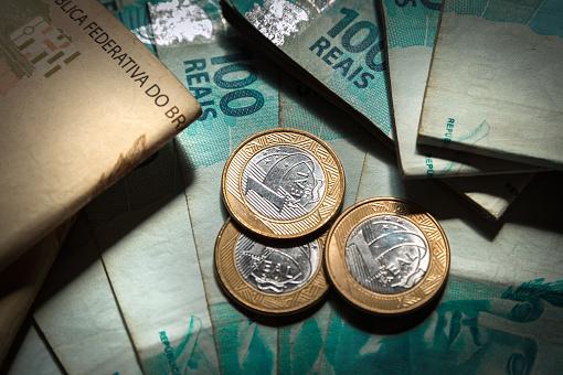 istock Brazilian money 696966820