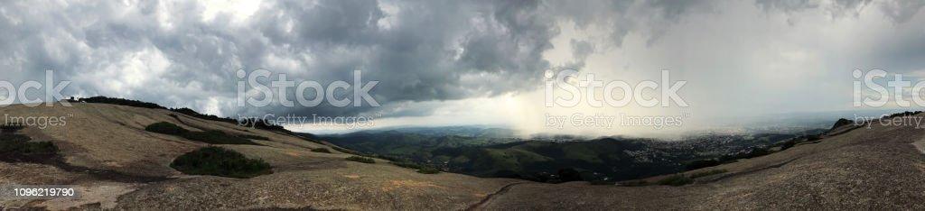 Brasileiras Pedra Grande montanha panorâmica - foto de acervo