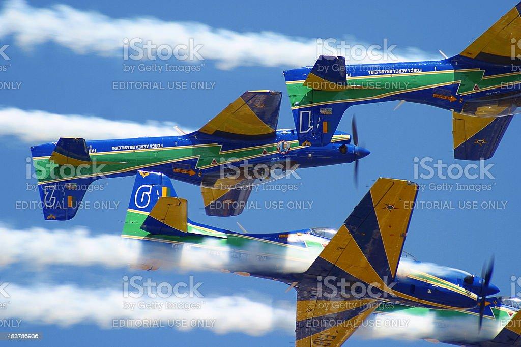 Brasileiro fumaça Squadron Esquadrilha da Fumaca T-27 Tucanos em ação foto de stock royalty-free