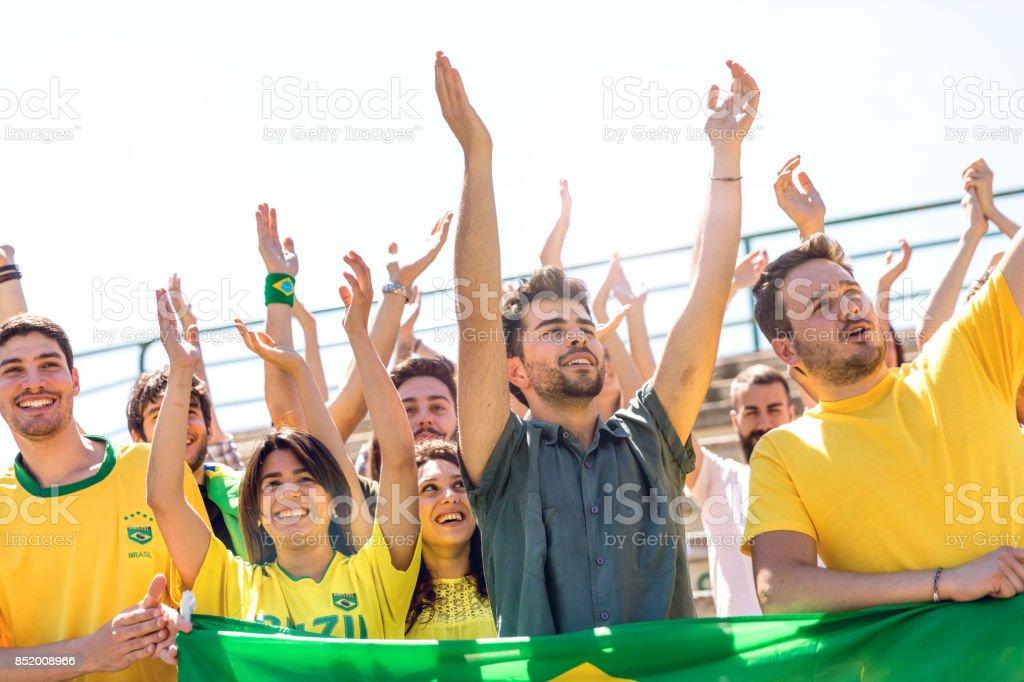 Torcida brasileira para apoiar a equipa nacional no estádio - foto de acervo