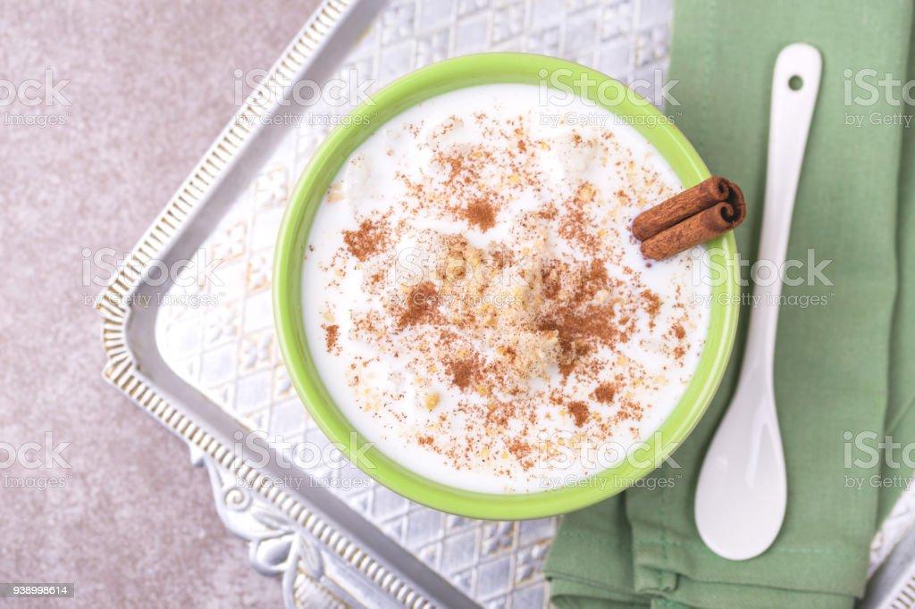 Brasilianischen Winter Festival Dessert Canjica. Weißer Maisbrei – Foto