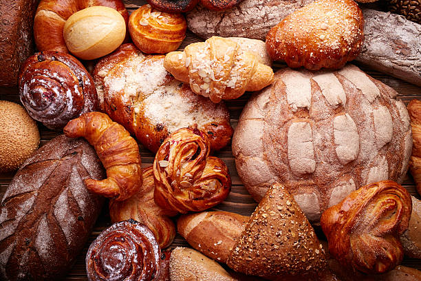 bread and buns - bakery stockfoto's en -beelden