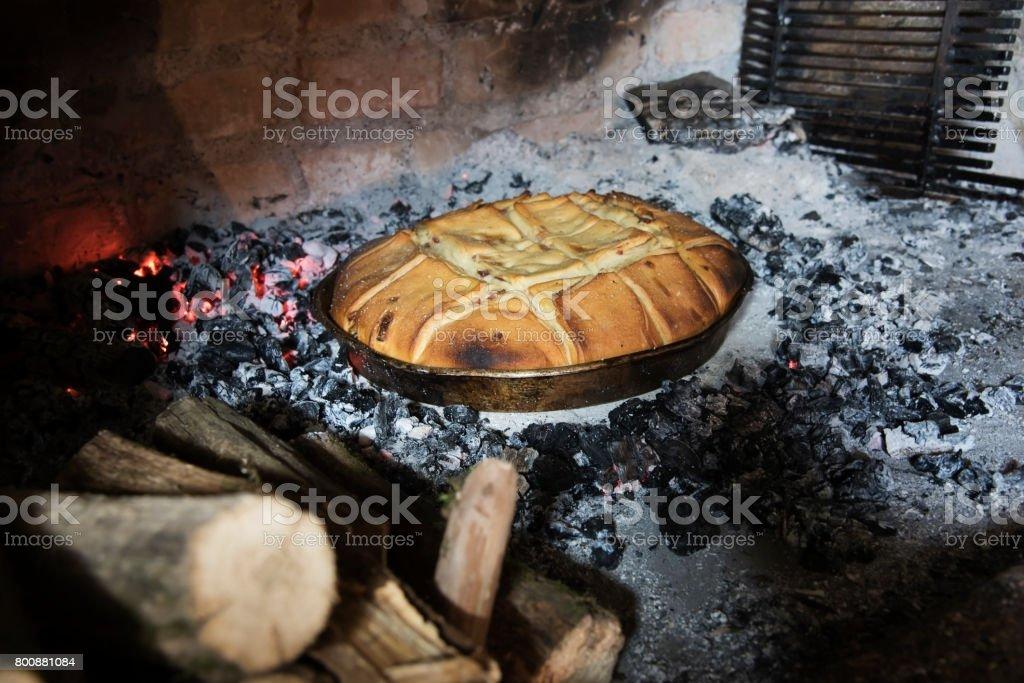 Brot in einem Feuer Brotbackofen – Foto