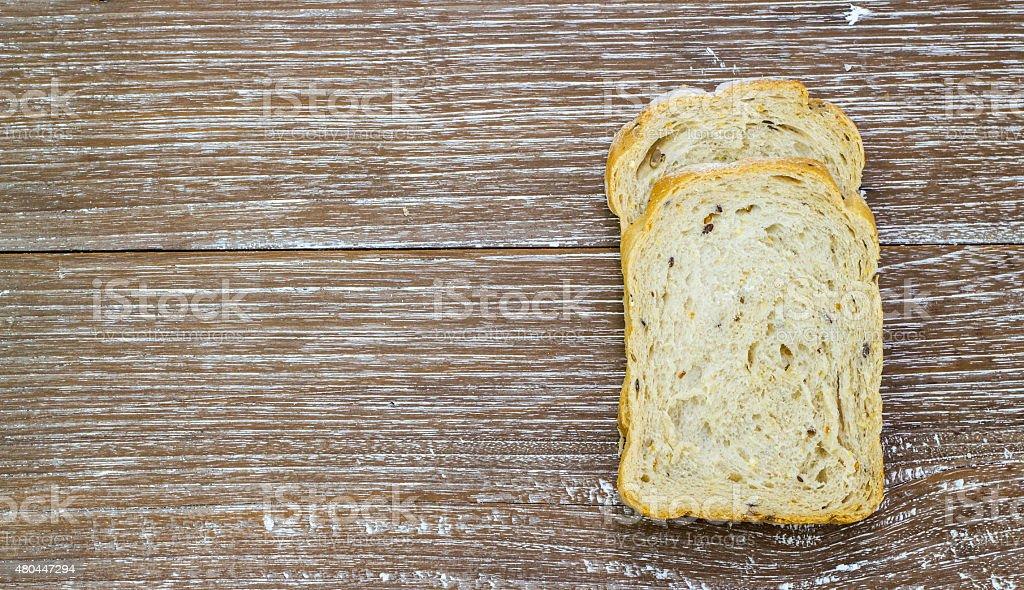 Brot auf Holztisch – Foto