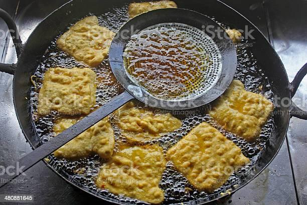 Pan De Humita En Aceite Foto de stock y más banco de imágenes de Alimento