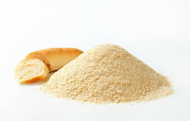 breadcrumb mucchio e roll - pangrattato preparazione degli alimenti foto e immagini stock