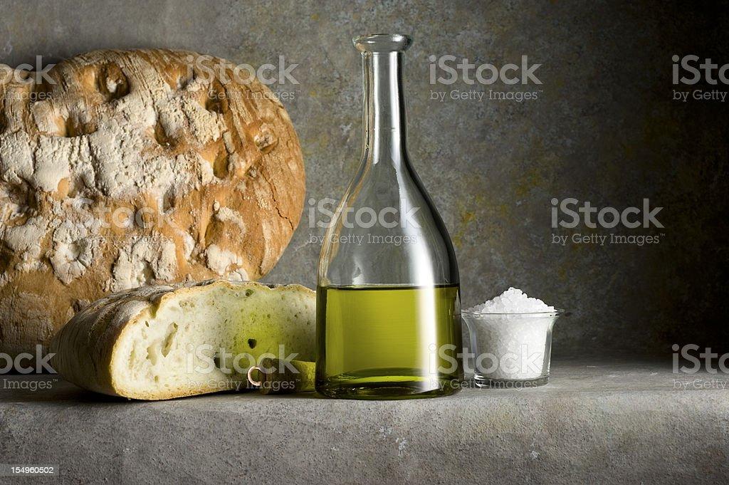 Pan, aceite de oliva Extra virgen y Salt.Color imagen - foto de stock