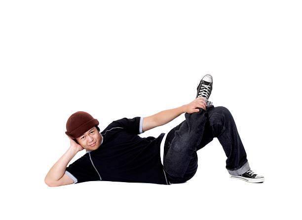 break-tänzerin posieren für die kamera - geek t shirts stock-fotos und bilder