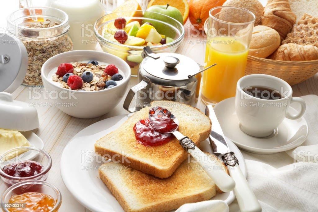 Frühstück: Frühstückstisch Lizenzfreies Stock Foto