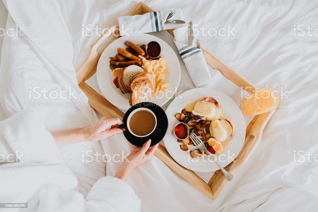 Yatakta kahvaltı - Royalty-free Battaniye Stok görsel
