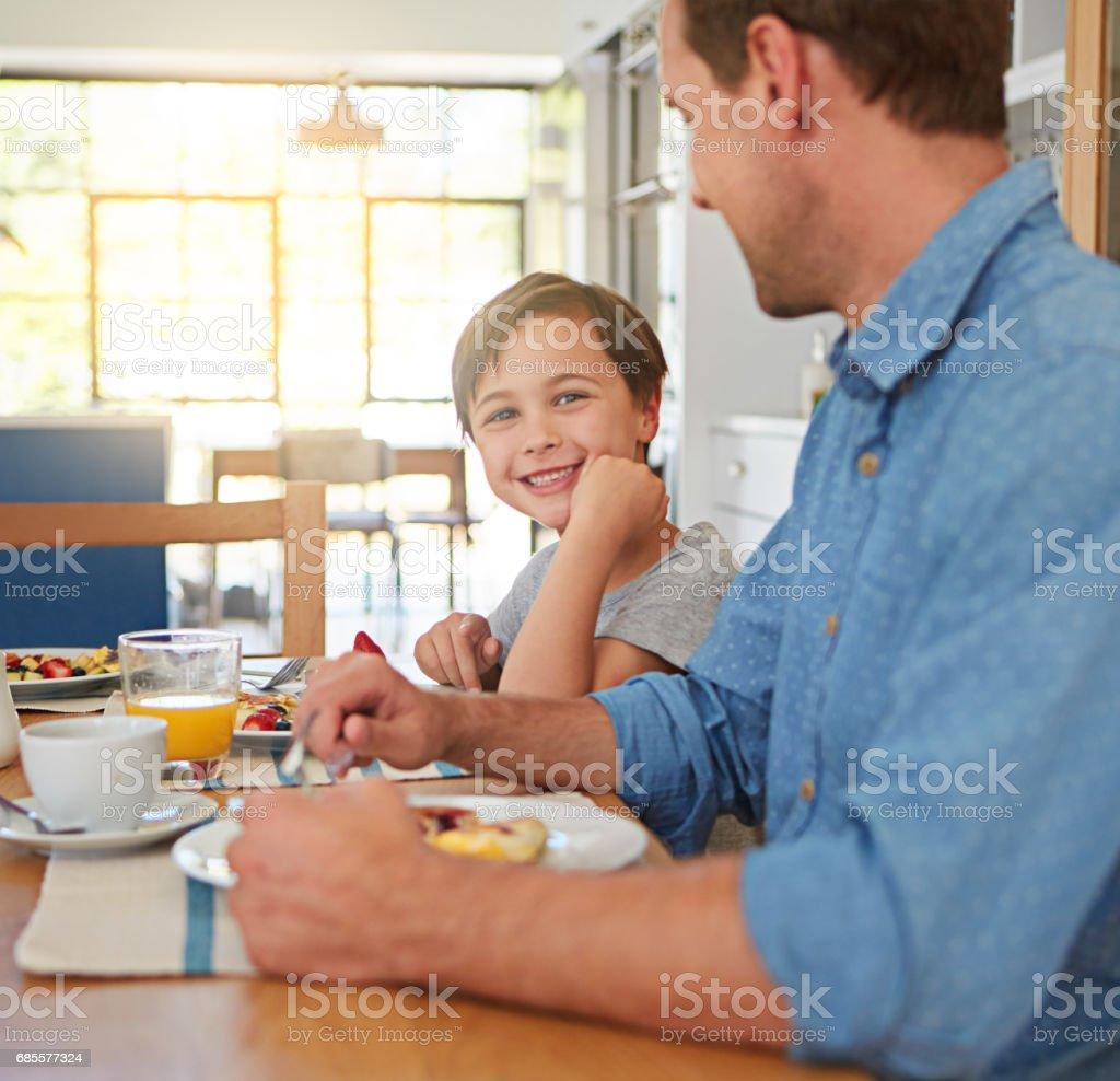 아침 식사는 아이 들 성장에 중요 한 royalty-free 스톡 사진