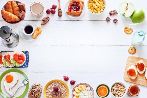 frühstück-menü-essen-frame mit einem textfreiraum. - küche aus paletten stock-fotos und bilder