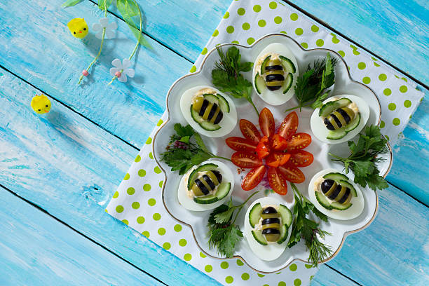 Breakfast or lunch for children - hard boiled egg bee. 스톡 사진