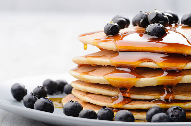 breakfast pancakes - maple syrup stock photos and pictures