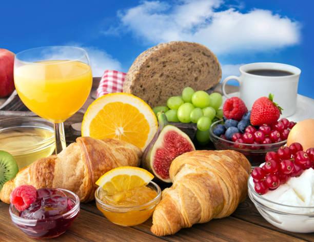 frühstück - sonntagsbrunch stock-fotos und bilder