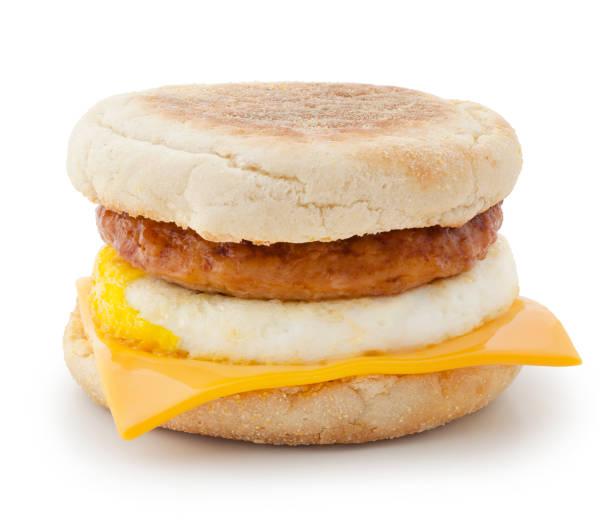 frühstücks-sandwich (mit pfad) - käsemuffins stock-fotos und bilder