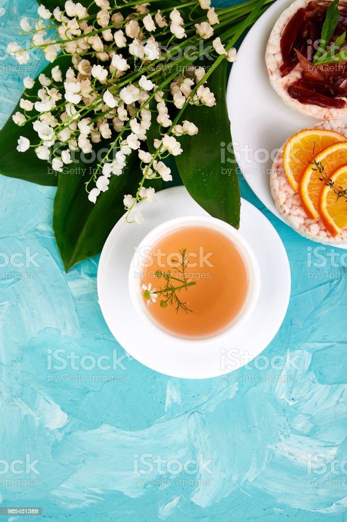 Breakfast tea, rice crispbread zbiór zdjęć royalty-free