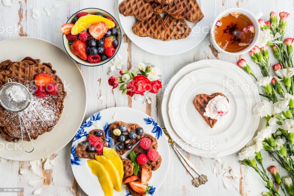 Ev yapımı çikolatalı gözleme ile Kahvaltı royalty-free stock photo