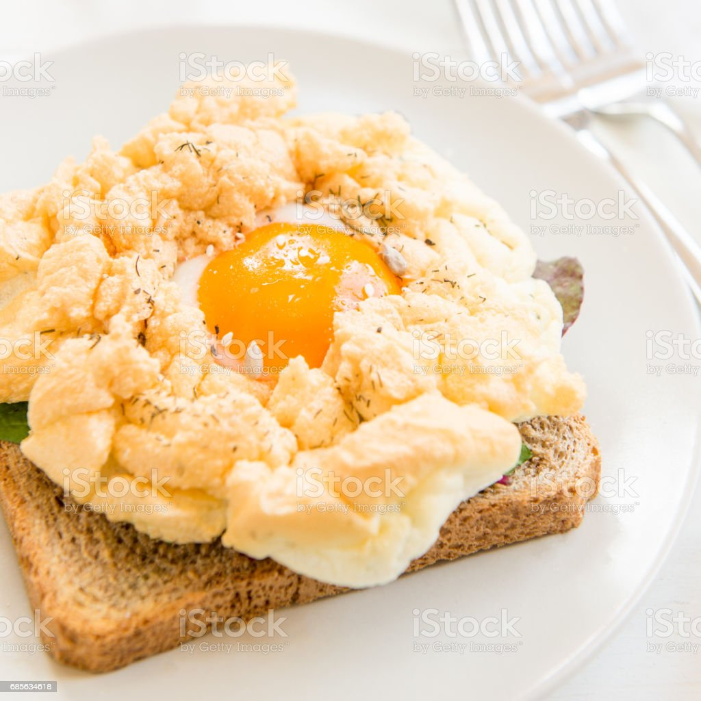 Breakfast with Wholemeal Bread Toast and Cloud Egg ロイヤリティフリーストックフォト