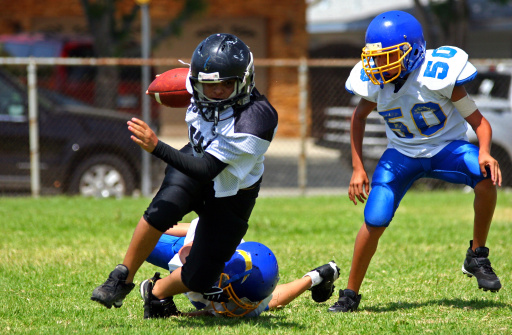 istock Breaking the Tackle 144324835