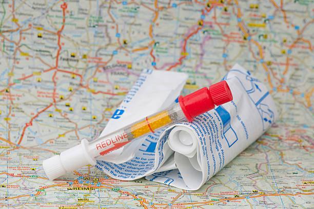 Bafômetro francesa em um mapa - foto de acervo