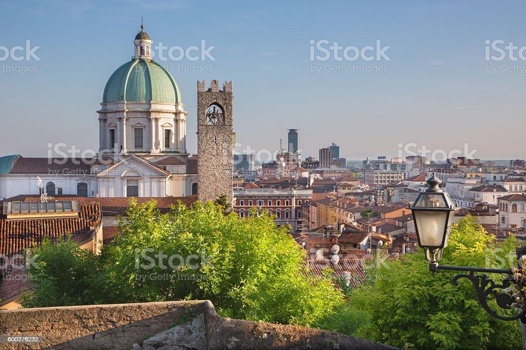 Brescia - Duomo cupola over the town in evening light. - foto stock