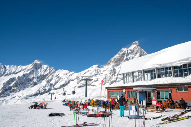 Breuil-Cervinia ski resort and Monte Cervino (Matterhorn) in March, Cime Bianche Laghi, Breuil-Cervinia, Valle d'Aosta, Italy Breuil-Cervinia ski resort and Monte Cervino (Matterhorn) in March, Cime Bianche Laghi, Breuil-Cervinia, Valle d'Aosta, Italy ski resort stock pictures, royalty-free photos & images
