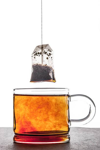 Gebrühtem Kaffee und Tee aus vertikal – Foto