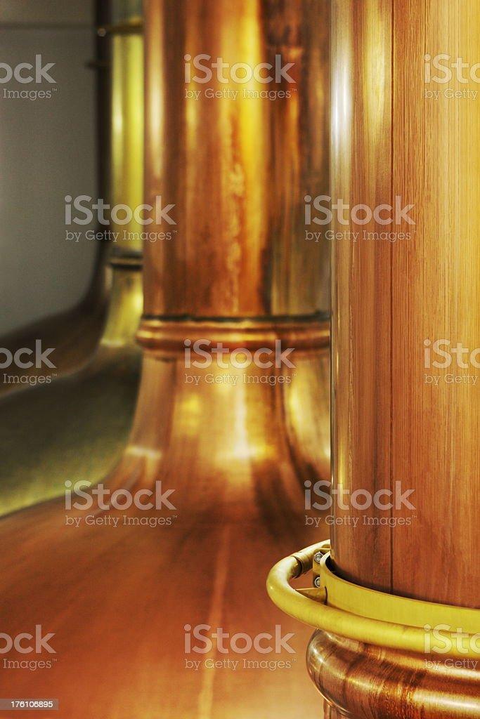 Fábrica de cerveza equipo de producción cobre TETERA - foto de stock