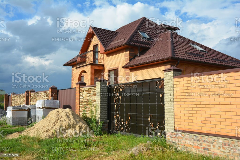 Brick And Metal Fence With Metal Gate Of Modern Style Design ...