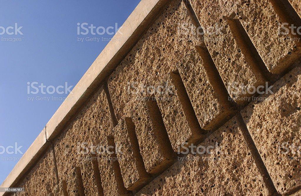 Carcasa de pared de ladrillos en nuevo proyecto foto de stock libre de derechos