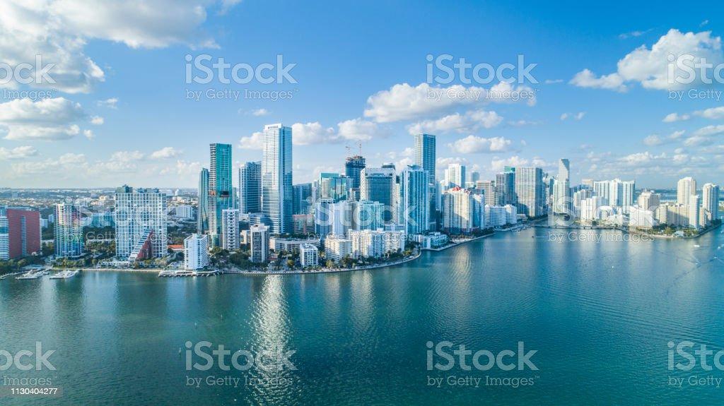 Brickell 키, 마이애미에서 비행기로 도시입니다. - 로열티 프리 건축 스톡 사진