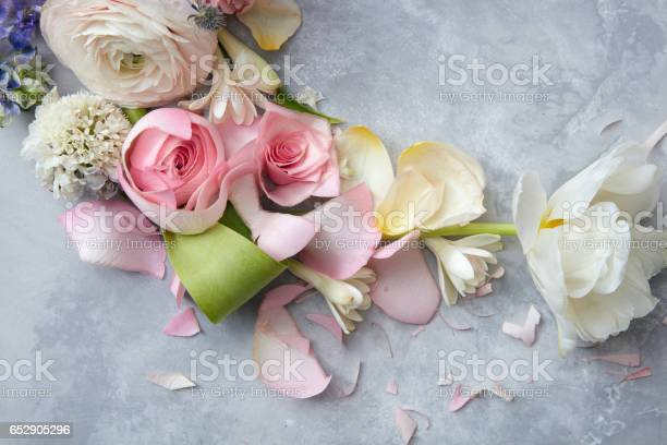 Bridal beautiful bouquet picture id652905296?b=1&k=6&m=652905296&s=612x612&h=cairavugyy movqsek3sortskjoxegiu3k xhkd1qcm=