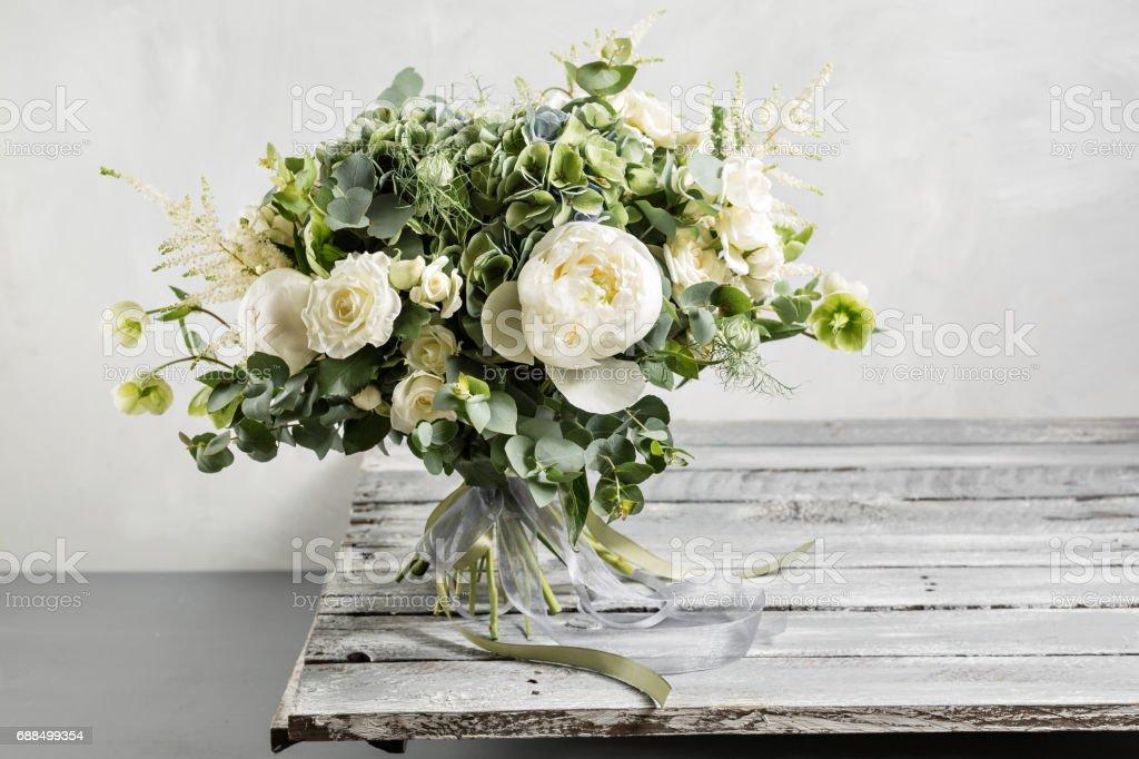 Vintage Brautstrauss Der Braut Schon Von Gemischten Blumen Und Grun